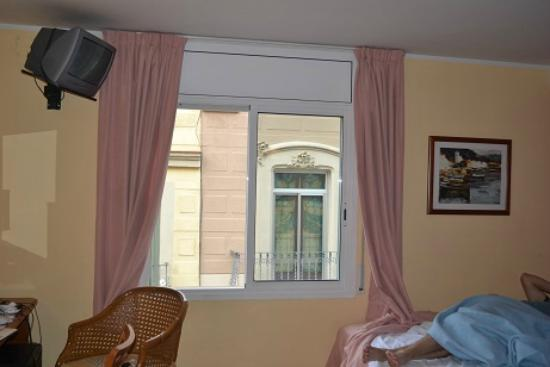 Hotel Cortes: The window of the room