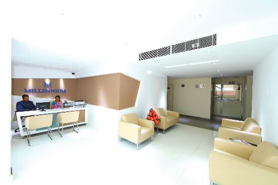 Hotel Millennium Continental : Lobby