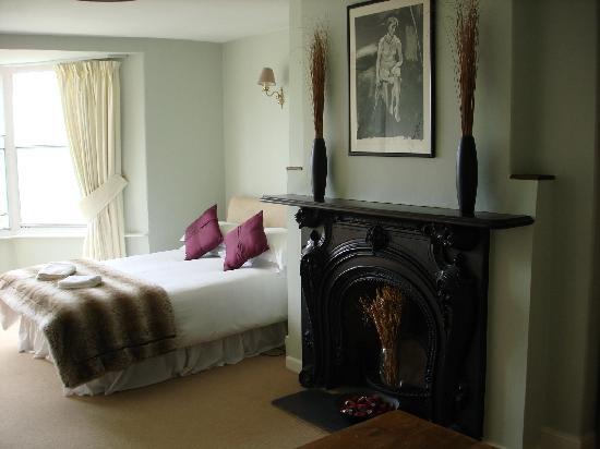 The Ship Inn & Hotel: Example bedroom