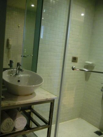 Sun Rise Business Hotel – Taipei Main Station: Bathroom
