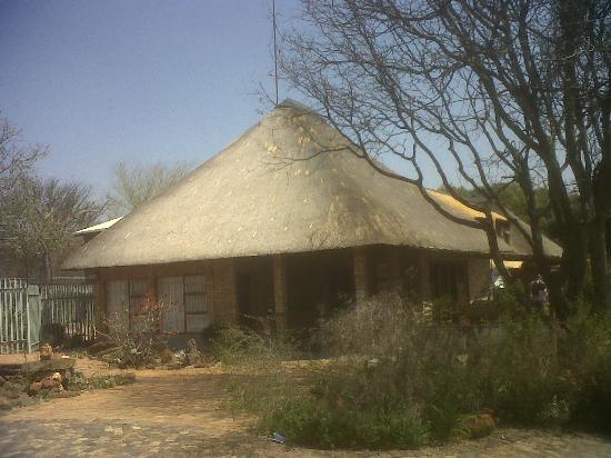 Klip-Els Guest Lodge: One of the rondavals
