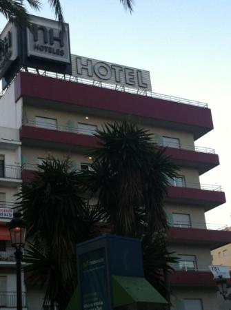 Hotel NH San Pedro de Alcántara: Seiten Ansicht