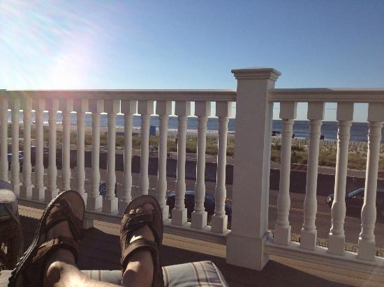 931 Beach Guest House: great view 