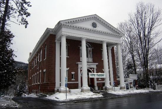 Woodstock Town Hall Theater : Town Hall Theater