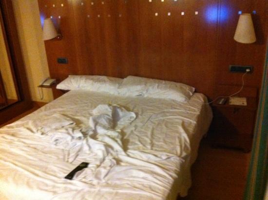Hotel NH San Pedro de Alcántara : das Bett