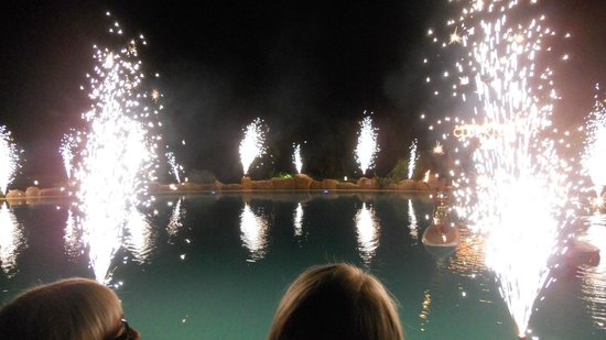 Kaya Belek Hotel: Fireworks at pool party