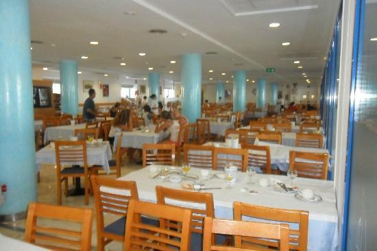 Tahití Playa Hotel: Cantine bruyante