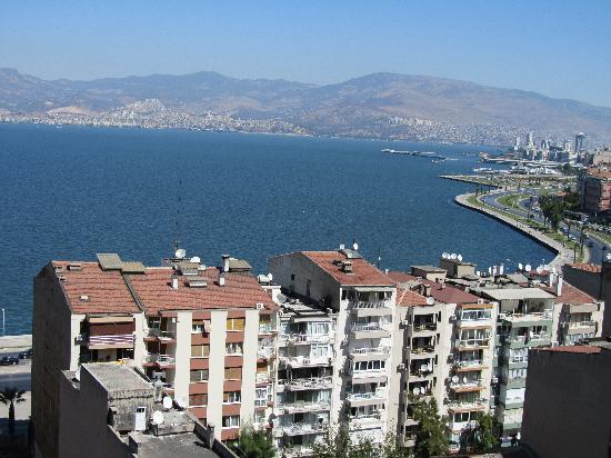 Blanca Hotel: view of izmir above asansor