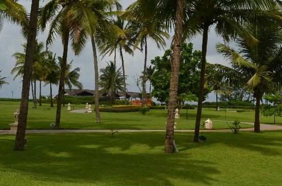 Taj Exotica Resort & Spa Goa: Hotel Lawns