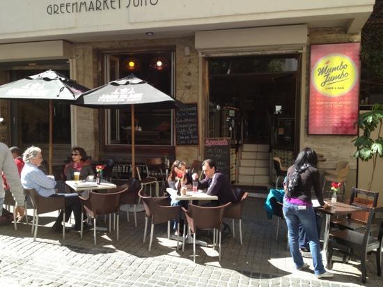 Mumbo Jumbo: Really cool New York style Cafe/Bar