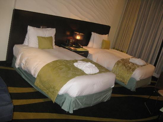 Radisson Blu Hotel, Abu Dhabi Yas Island: My room ... cozy and spacious