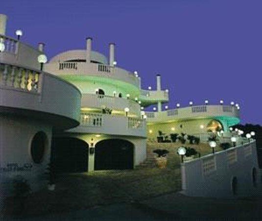 Cisternino, İtalya: Hotel Falco d' oro ***