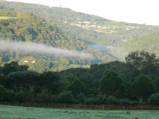 Tavistock, UK: Beautiful view of the mist coming off the River Tamar in the morning.