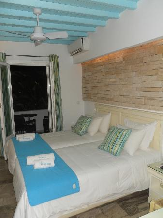 Poseidon Hotel - Suites : our lovely room