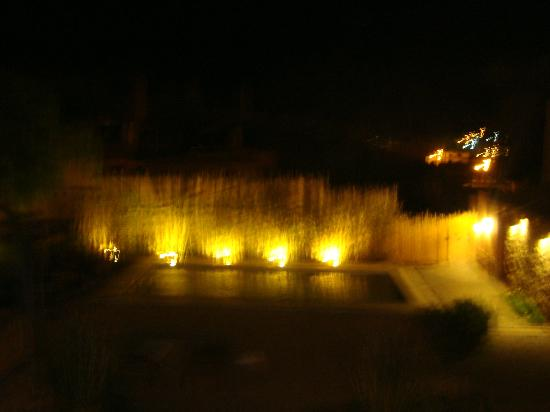 Las Marias Hotel Boutique: vista nocturna pileta