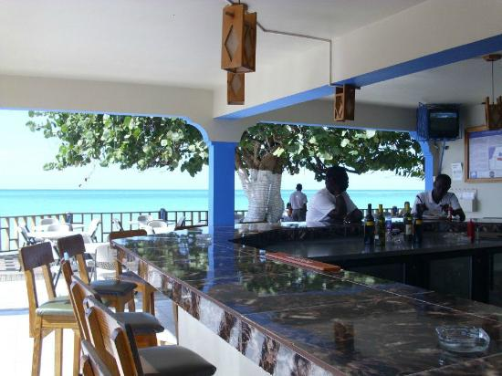 Travellers Beach Resort Bar Dining Area