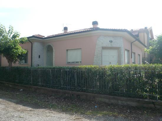 Lucca in Villa San Marco: Esterno Villa