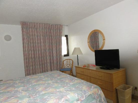 Royal Islander Club La Plage-bedroom-2