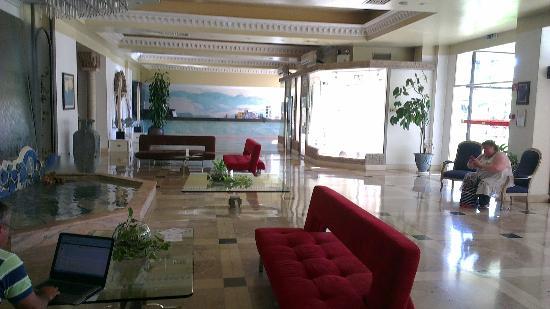 Ourahotel Aparthotel: Reception