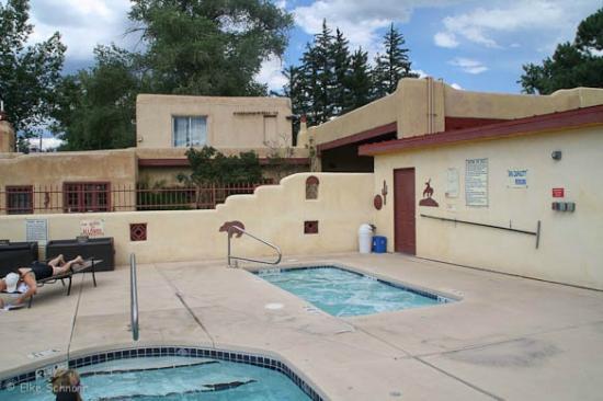 El Pueblo Lodge: Pool