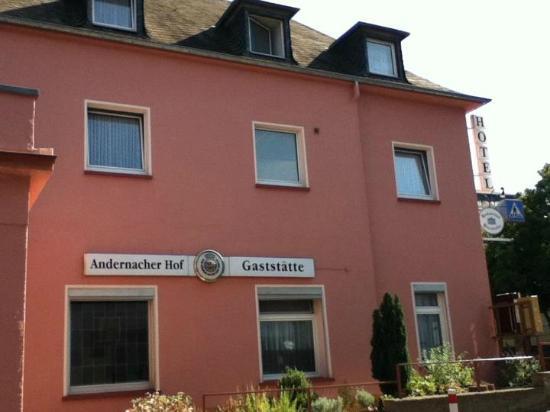 Hotel Andernacher Hof: Side of hotel