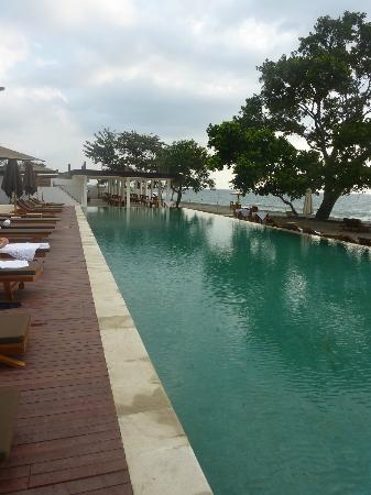 Living Asia Resort and Spa Lombok: The swimmingpool