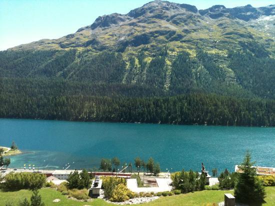 Kulm Hotel St. Moritz: 部屋からのレイクビュー