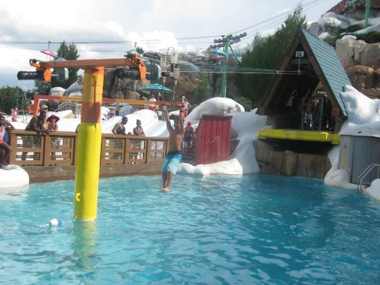 Blizzard Beach: Just sitting and watching all the kids on this was hilarious!
