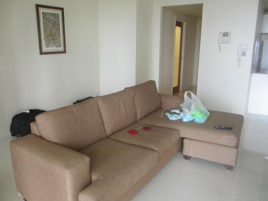 Paradise Centre Apartments: Living area