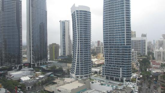 Paradise Centre Apartments: Morning city view