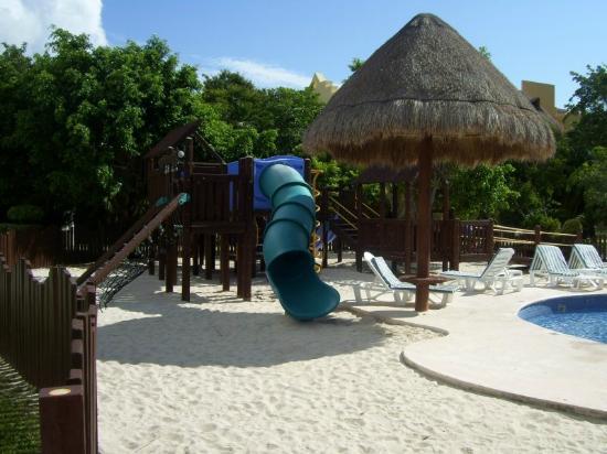 Iberostar Paraiso Lindo: Play area