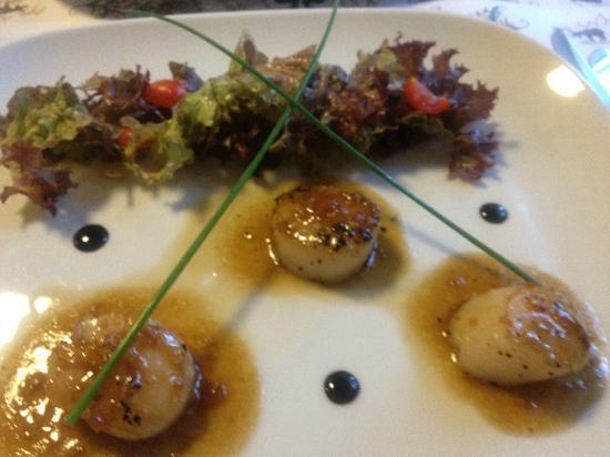 Relais de Chavannes: St-Jacques sauce sashimi un délice !