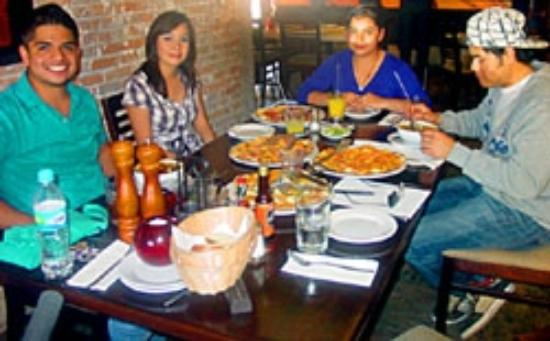 El Monasterio: Pizza party with friends