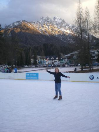 Ramada Resort Kranjska Gora: ice skating rink opposite the hotel