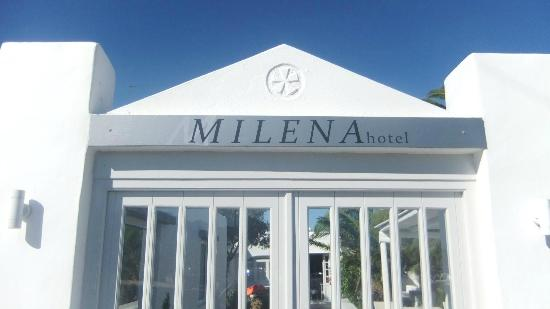 Milena Hotel: Front of the hotel