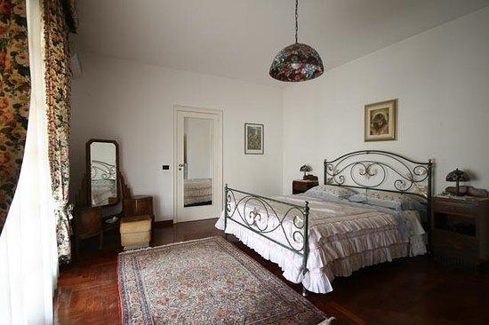 Villa Victoria: camera matrimoniale