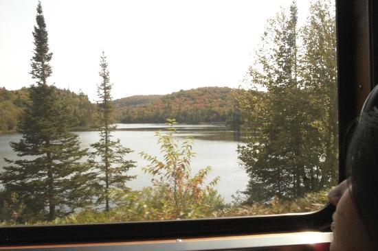 Agawa Canyon Tour Train: around the canyon
