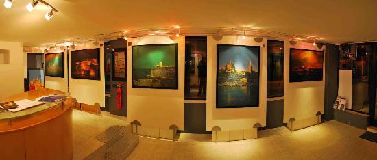 Sliema, Malta: Christine X Art Gallery