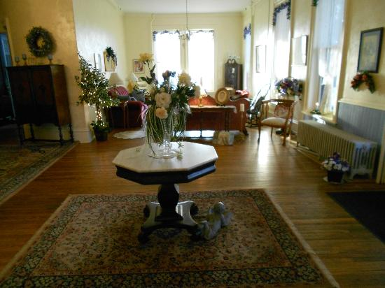 Lindenwald Haus: The Formal Living Room