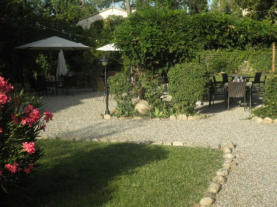 Villa du Parc: versteckte Ecken im Garten
