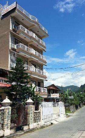 Hotel Family Home: Buiten het hotel