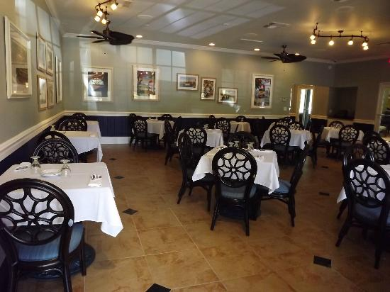 Saratoga Resort Villas: Enjoy a meal in our restaurant