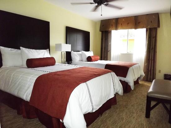 Saratoga Resort Villas: Awake refreshed after sleeping on our comfortable beds