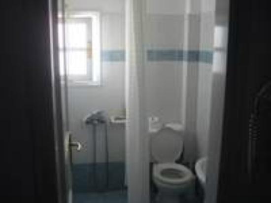 Ilion Hotel: Cuarto de baño