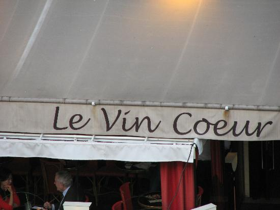 Vin Coeur: Front awning