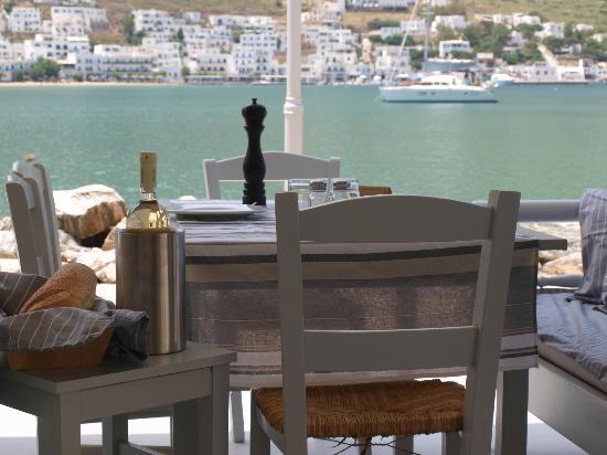 O Argiris: Θέα προς το λιμάνι