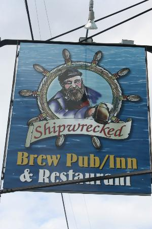 ‪‪Shipwrecked Restaurant, Brewery & Inn‬: Signage