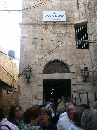 Custodia Di Terra Santa Casa Nova: Entrada albergue de los franciscanos