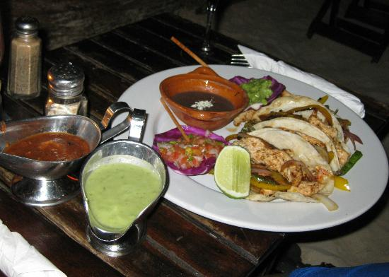Fusion Bar & Restaurant: Chicken Tacos