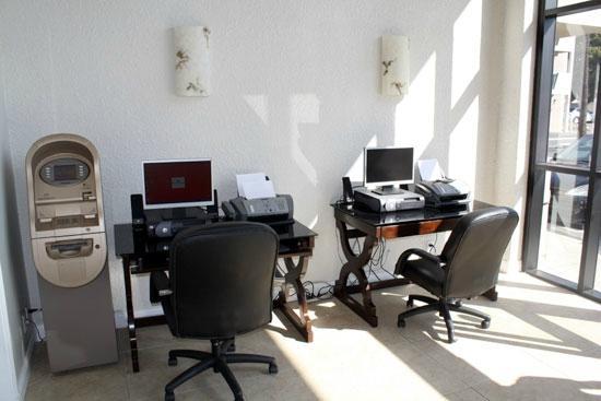 Ramada Oceanside : Business Center